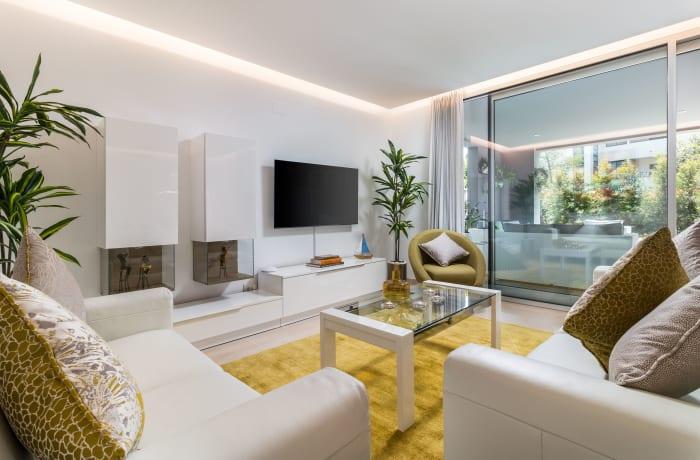 Apartment in Royal Banus I, Puerto Banus - 2