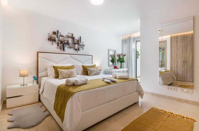 Apartment in Royal Banus I, Puerto Banus - 6
