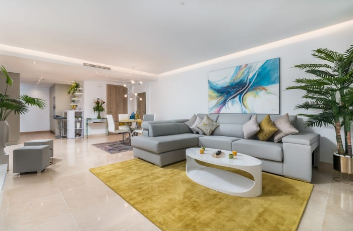 Apartment in Royal Banus II, Puerto Banus - 3