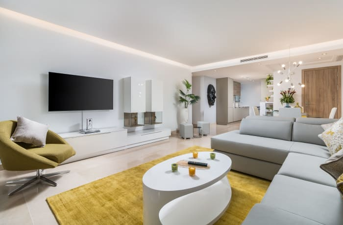 Apartment in Royal Banus II, Puerto Banus - 4