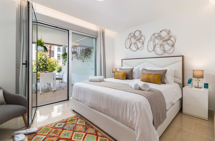 Apartment in Royal Banus II, Puerto Banus - 11