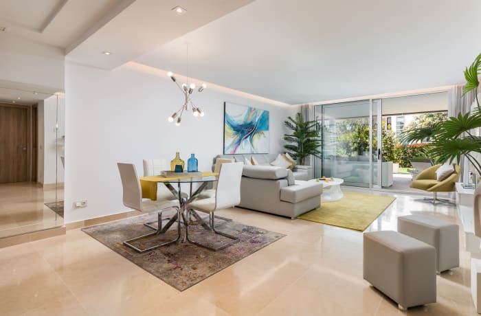 Apartment in Royal Banus II, Puerto Banus - 1