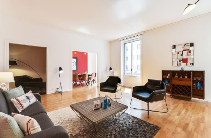 Apartment in Borgogna, Duomo - 1