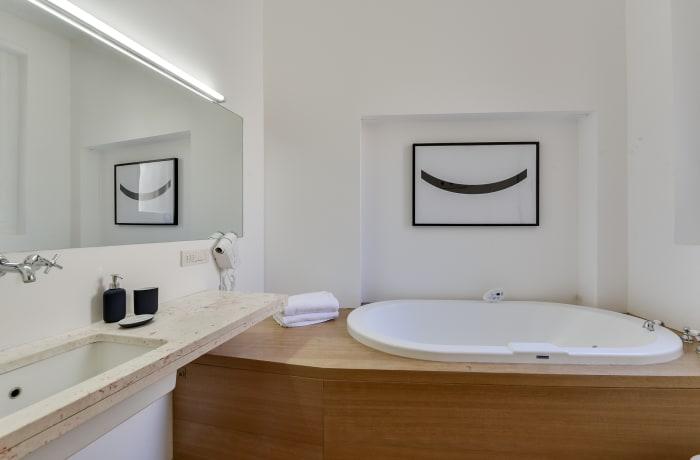 Apartment in Borgogna, Duomo - 16