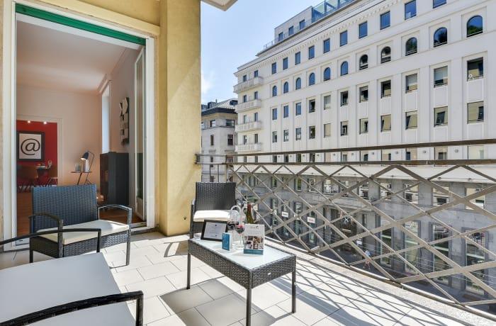 Apartment in Borgogna, Duomo - 3