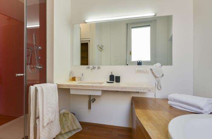 Apartment in Borgogna, Duomo - 15