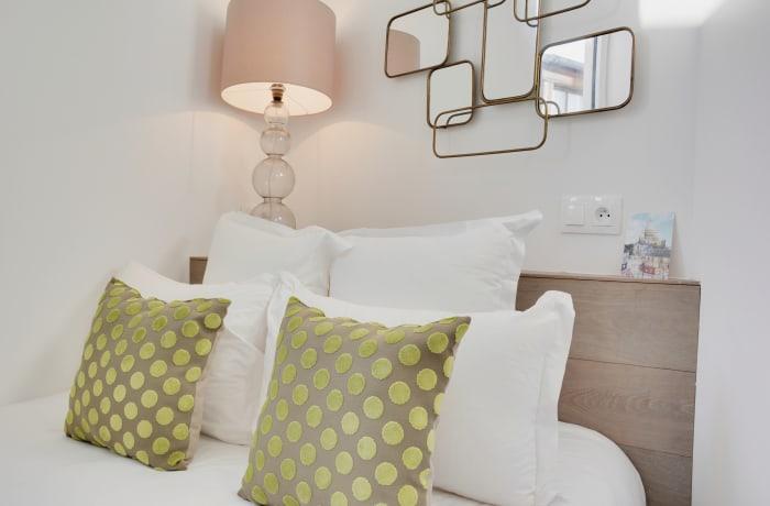 Apartment in Berthe I, Butte Montmartre (18e) - 19