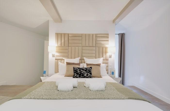 Apartment in Berthe I, Butte Montmartre (18e) - 9
