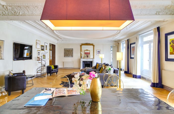 Apartment in Montaigne II, Champs-Elysées (8e) - 8