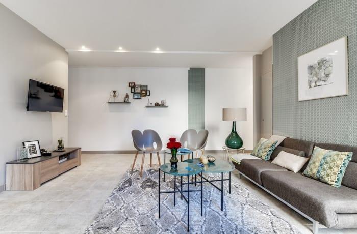 Apartment in Ponthieu III, Champs-Elysées (8e) - 1