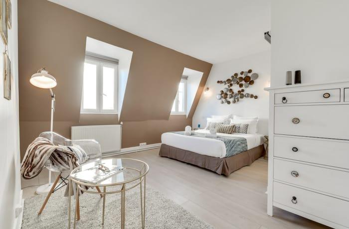 Apartment in Ponthieu III, Champs-Elysées (8e) - 12