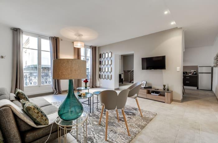 Apartment in Ponthieu III, Champs-Elysées (8e) - 3