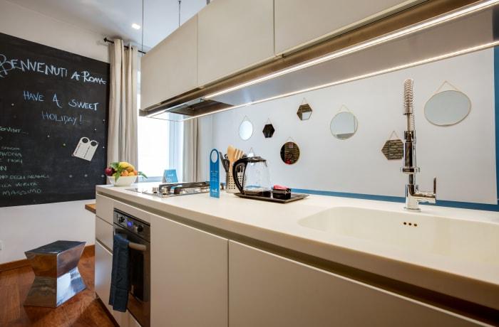 Apartment in Arenula, Campo de' Fiori, Piazza Navona - 10
