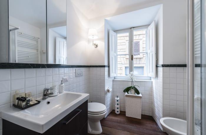 Apartment in Calderari I, Campo de' Fiori, Piazza Navona - 11
