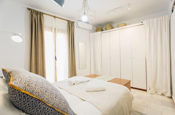 Apartment in Alameda, Alameda de Hercules - 7