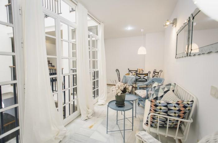 Apartment in Alameda, Alameda de Hercules - 12