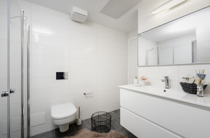 Apartment in Allenby VI, Central Beach Area - 11