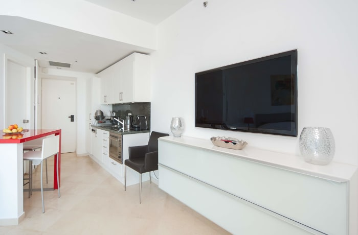 Apartment in Bugrashov Sea View, Central Beach Area - 2