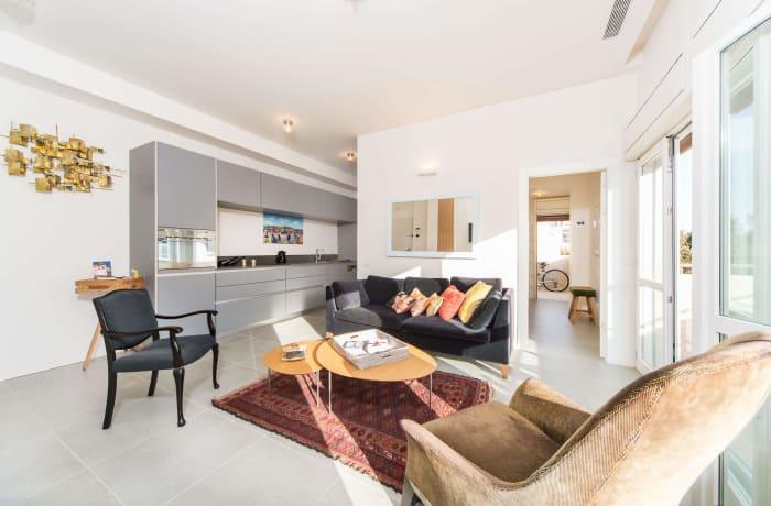 Apartment in Classic Ben Yehuda, North Beach Area - 9