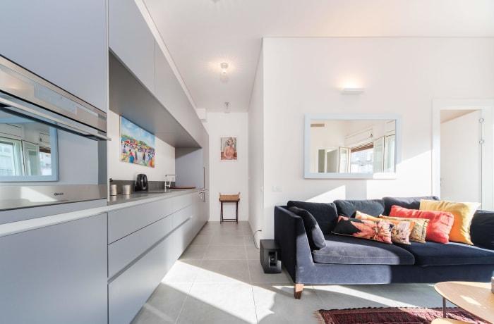 Apartment in Classic Ben Yehuda, North Beach Area - 3