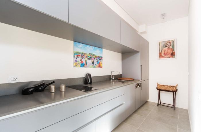 Apartment in Classic Ben Yehuda, North Beach Area - 15
