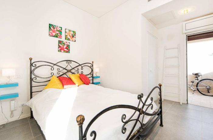 Apartment in Classic Ben Yehuda, North Beach Area - 17