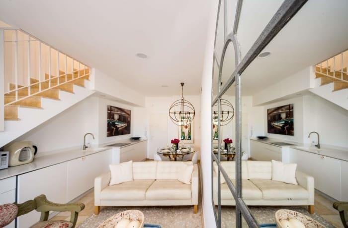 Apartment in Dizengoff Retreat, Central Beach Area - 6