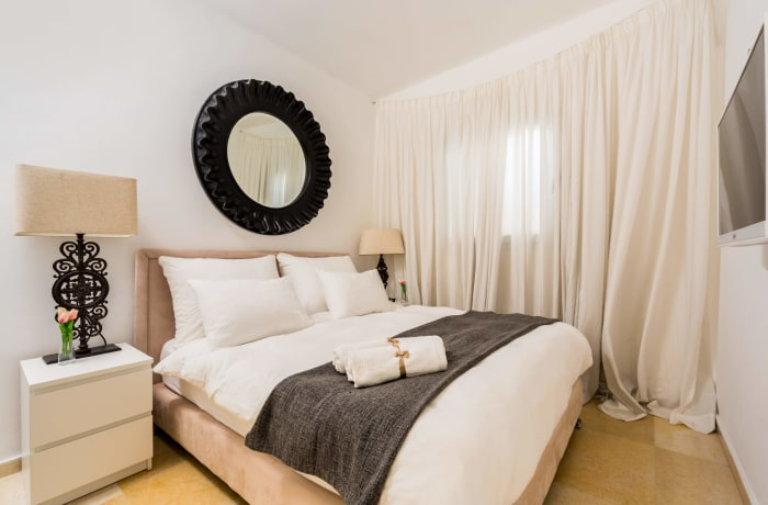 Apartment in Dizengoff Retreat, Central Beach Area - 9