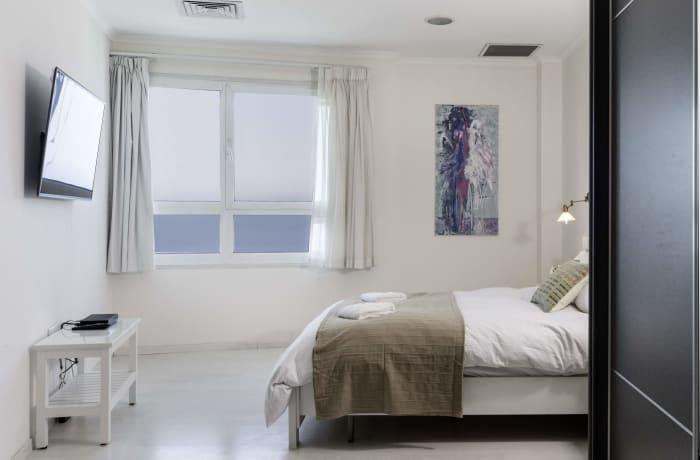 Apartment in Hayarkon Beach Front, Central Beach Area - 11