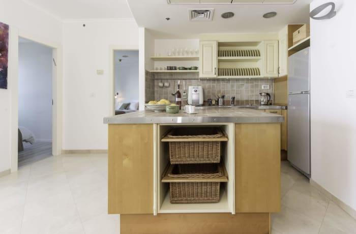 Apartment in Hayarkon Beach Front, Central Beach Area - 4