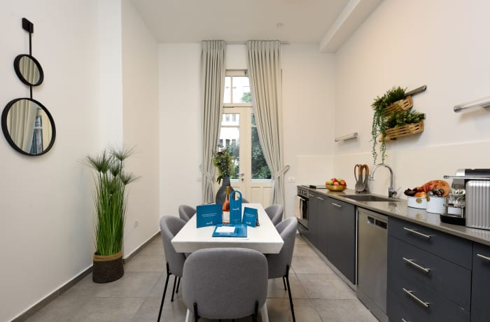 Apartment in Rothschild meets Allenby I, Central Beach Area - 5