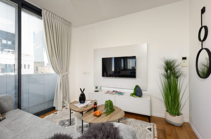 Apartment in Rothschild meets Allenby VII, Central Beach Area - 6
