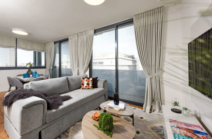 Apartment in Rothschild meets Allenby VII, Central Beach Area - 1