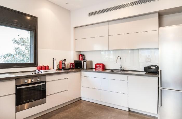 Apartment in Sirkin, Central Beach Area - 7