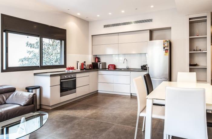 Apartment in Sirkin, Central Beach Area - 10