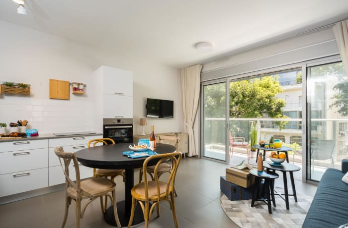 Apartment in Dizengoff, North Beach Area - 9