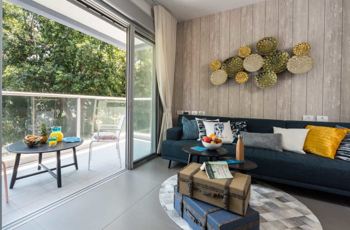 Apartment in Dizengoff, North Beach Area - 1