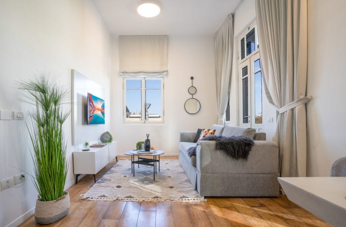Apartment in Rothschild meets Allenby III, Central Beach Area - 1
