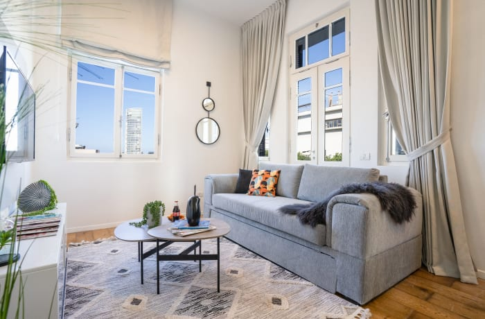 Apartment in Rothschild meets Allenby V, Central Beach Area - 4