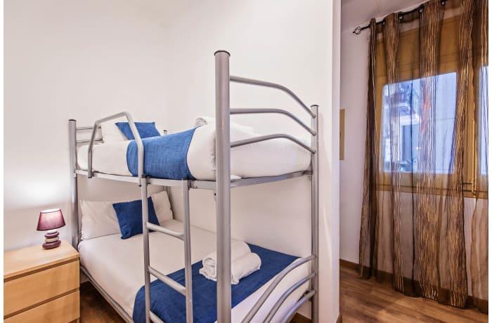 Apartment in Joan Miro, Plaza España - 11