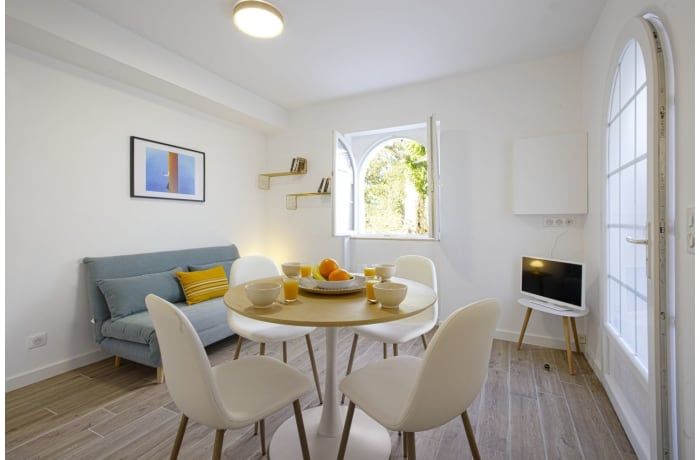 Apartment in Seafront Terrace, La Negresse - 1