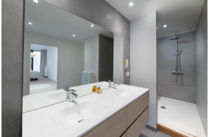 Apartment in Saint Bernard I, Barriere de Saint Gilles - 19