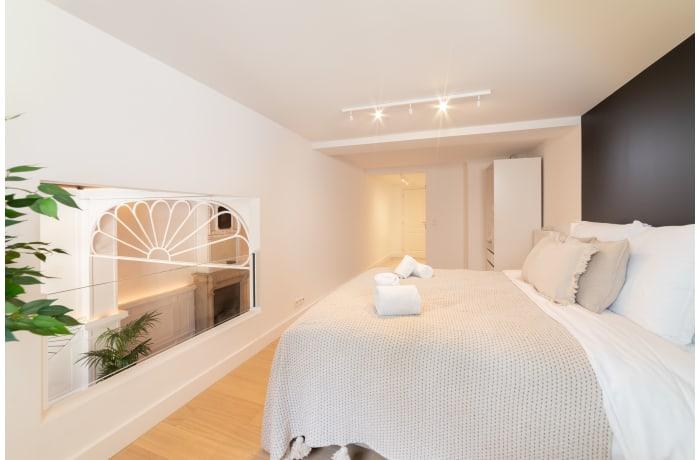 Apartment in Saint Bernard I, Barriere de Saint Gilles - 13