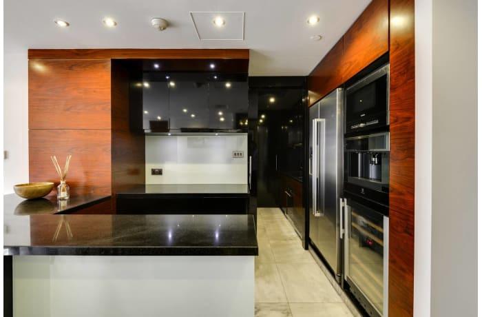 Apartment in Luxury Burj Khalifa, Downtown Dubai - 4