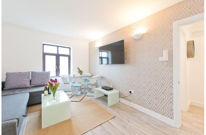 Apartment in Claredon Hall, Dame Street/Grafton Area - 3