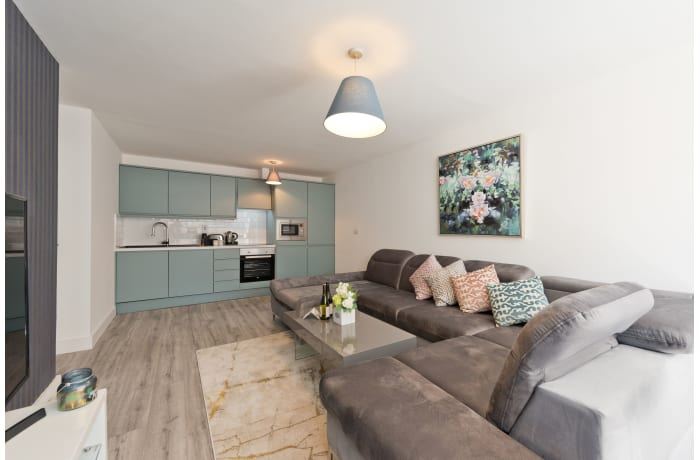 Apartment in Trinity Gate, City Centre - 6
