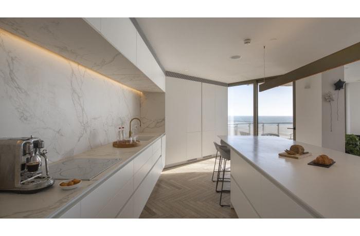 Apartment in Daniel Luxury flat, Herzliya Pituah - 10