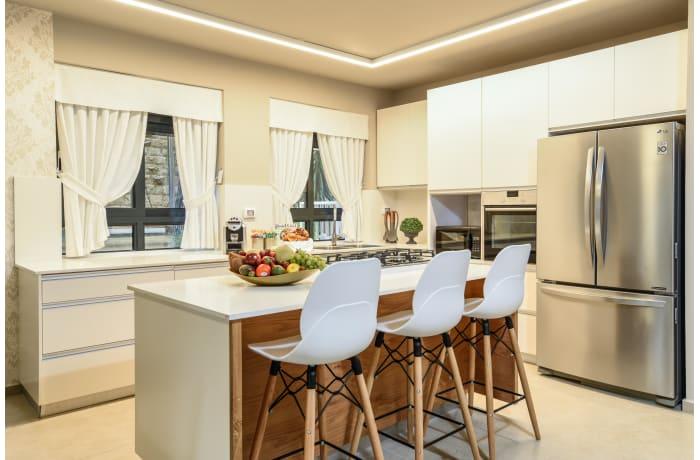 Apartment in Keren Hayesod Deluxe II, Talbieh- Rechavia - 2