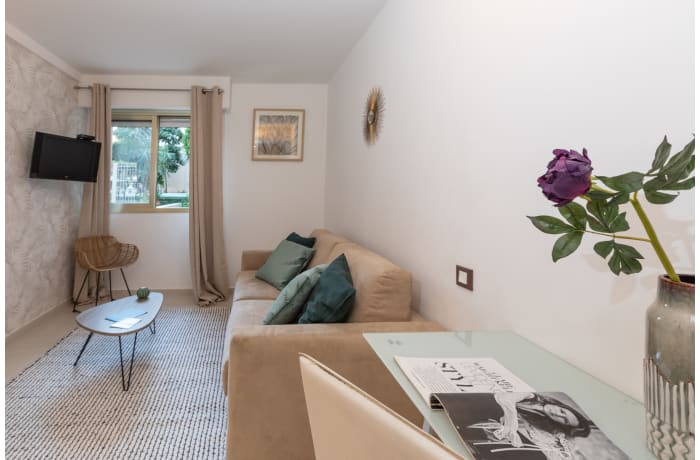 Apartment in Lovely Riviera 2F, Juan-les-Pins - 2