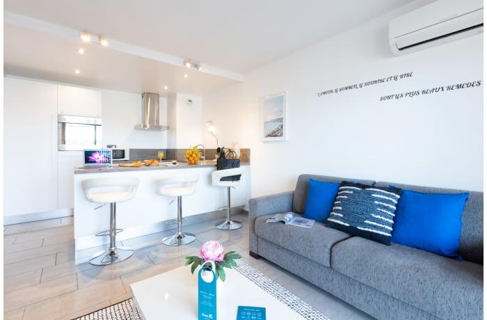 Apartment in Sky View Terrace 7A, Juan-les-Pins - 1